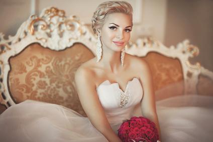 Les 5 étapes d'un maquillage de mariée réussi !